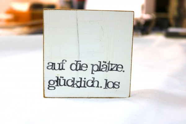 Indra Ohlemutz: auf die plätze. glücklich. los (10 x 10 cm)