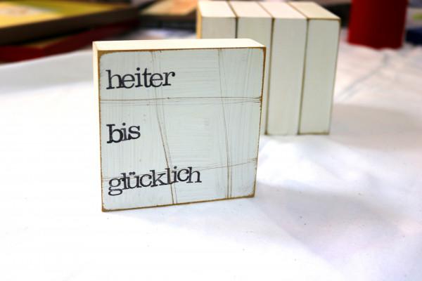 Indra Ohlemutz: heiter bis glücklich (10 x 10 cm)