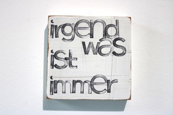 Indra Ohlemutz: irgendwas ist immer (15 x 15 cm)