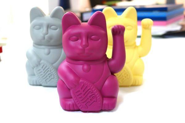 Lucky Cat / Purple / Winkekatze