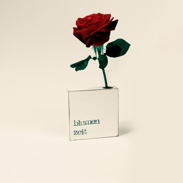 Indra Ohlemutz | Blumenzeit | Vase-Textplatte