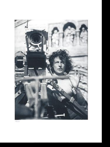 """Leni Riefenstahl bei den Dreharbeiten zu ihrem Film """"Tiefland"""" in Krün im Karwendelgebirge"""