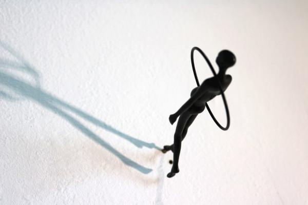 Max Hoffmann | Wandläufer, groß, mit Reif | Bronzeskulptur (Variante 3)