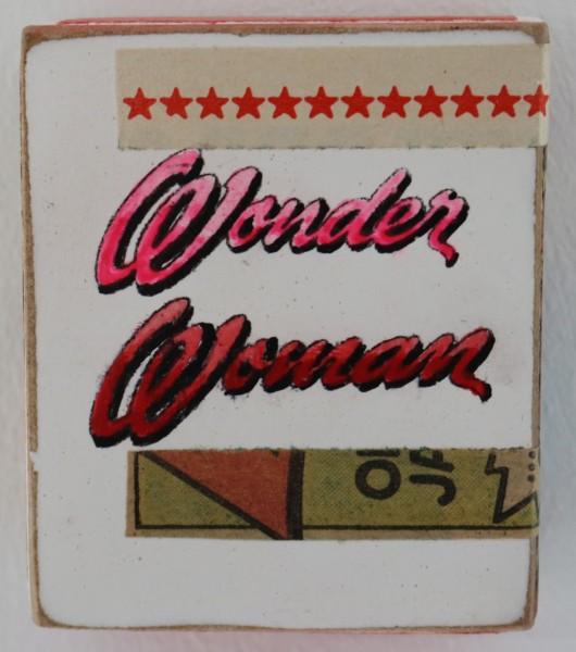 Kati Elm | Wonder Woman (Schriftzug) (Mini)